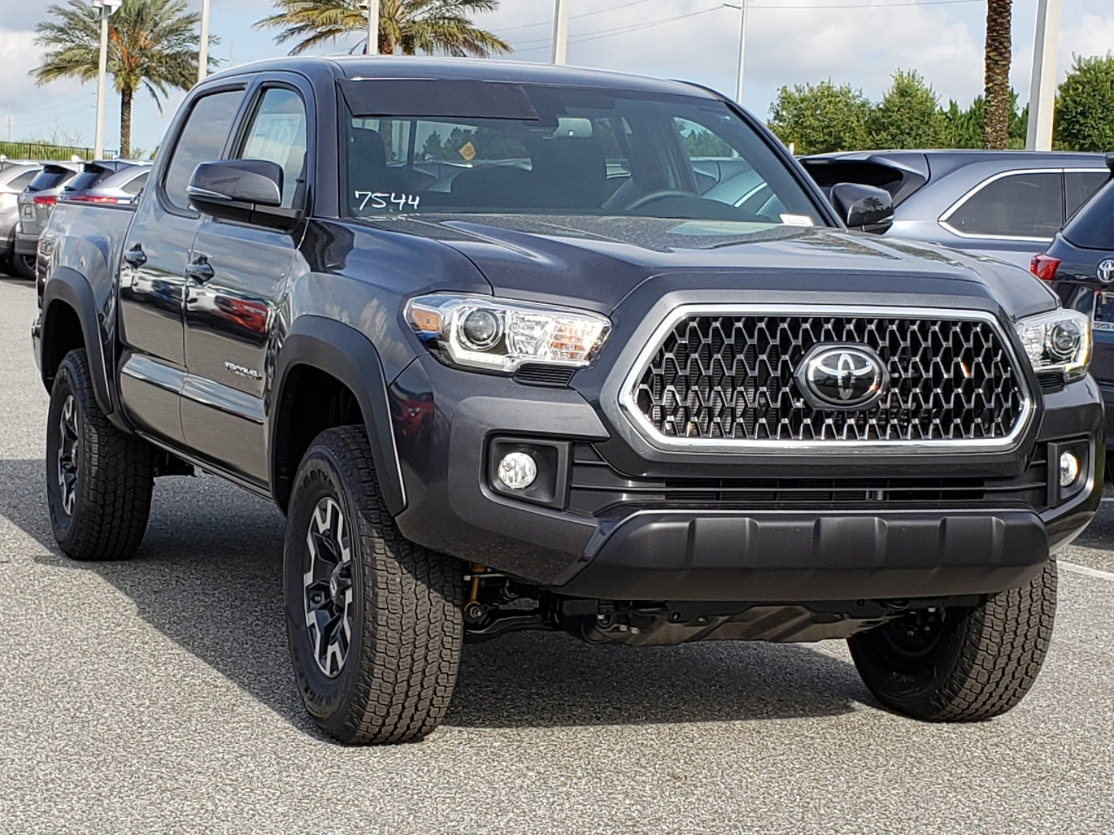 Toyota Tacoma Owners Manual: Adjusting the position of the air outlets