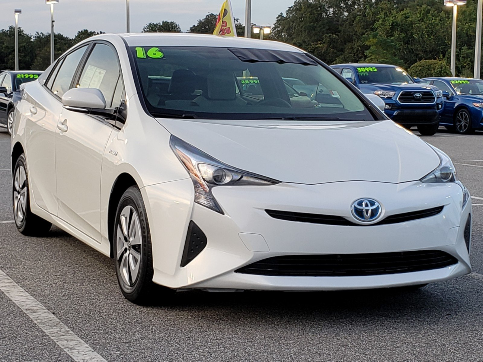 New Toyota Prius >> Certified Pre Owned 2016 Toyota Prius Two Eco Fwd Hatchback